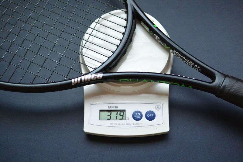 画像のラケットの場合、ラケットフレーム307g、ガット12gです。